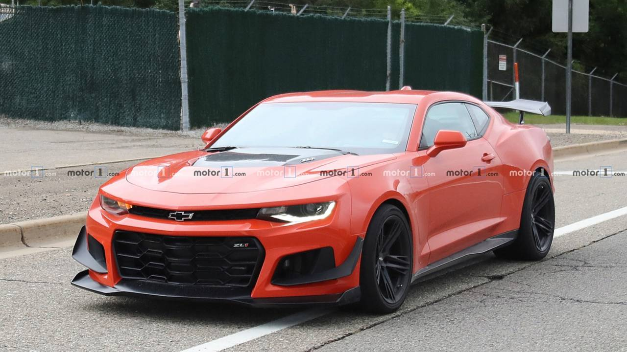 2019 Chevy Camaro Zl1 1le Spied Undisguised With A