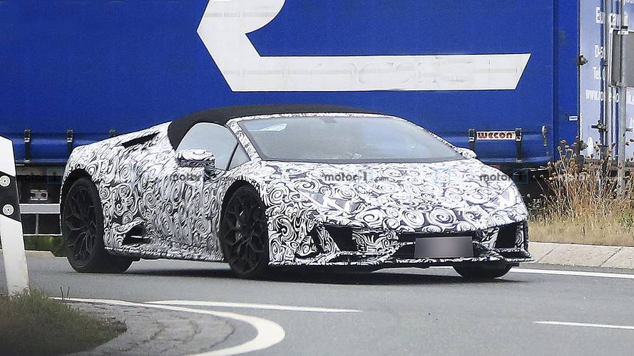 Lamborghini Huracan Spyder facelift spy photos