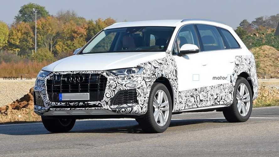 Audi Q7 Facelift Spied Hiding Design Cues Borrowed From Q8