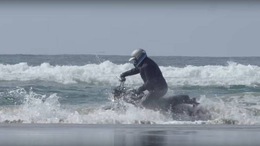 Now We Know: The Triumph Street Scrambler Isn't a Submarine