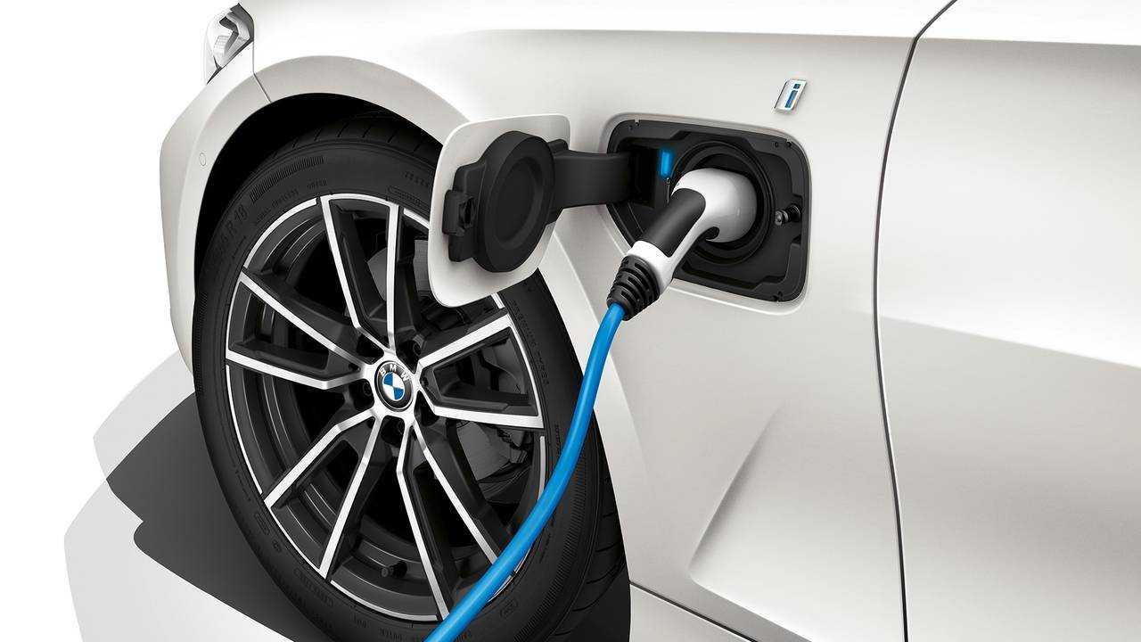 BMW 3er 2019 330e iPerformance