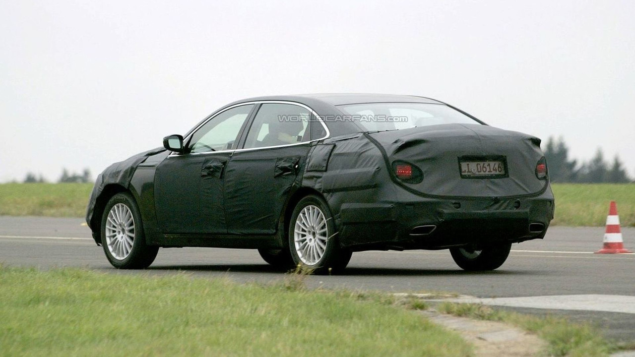 Hyundai Luxury Prototype Sedan Spied