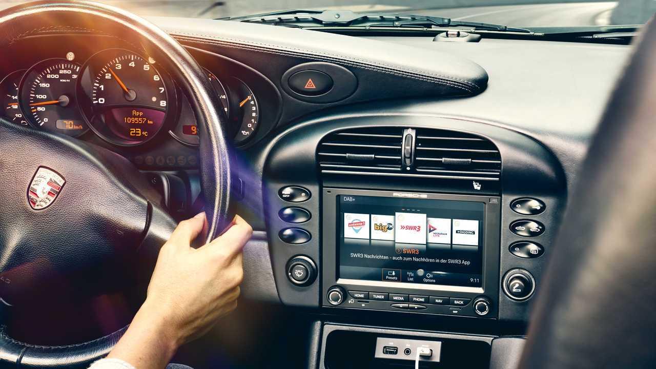 Современные мультимедийные системы для классических Porsche