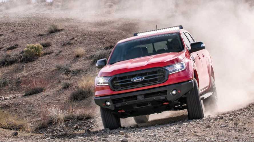 Ford трижды подготовил Ranger для бездорожья