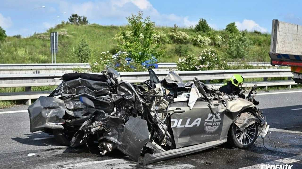 Toyota Corolla baleset