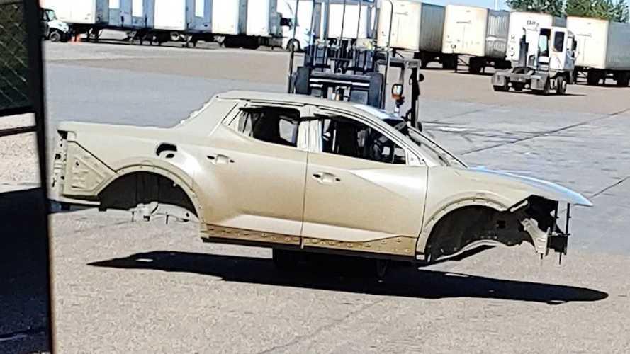 Flagra! Picape Hyundai Santa Cruz tem carroceria revelada por inteiro
