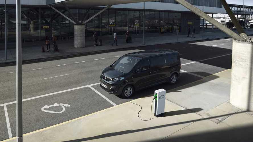 Peugeot превратил Traveller в электромобиль для семьи и бизнеса