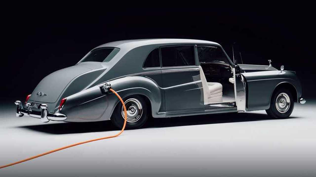 Rolls Royce Phantom V EV by Lunaz