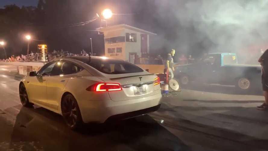 Watch Tesla Model S Raven Battle Nitrous Cars And Trucks At Drag Strip