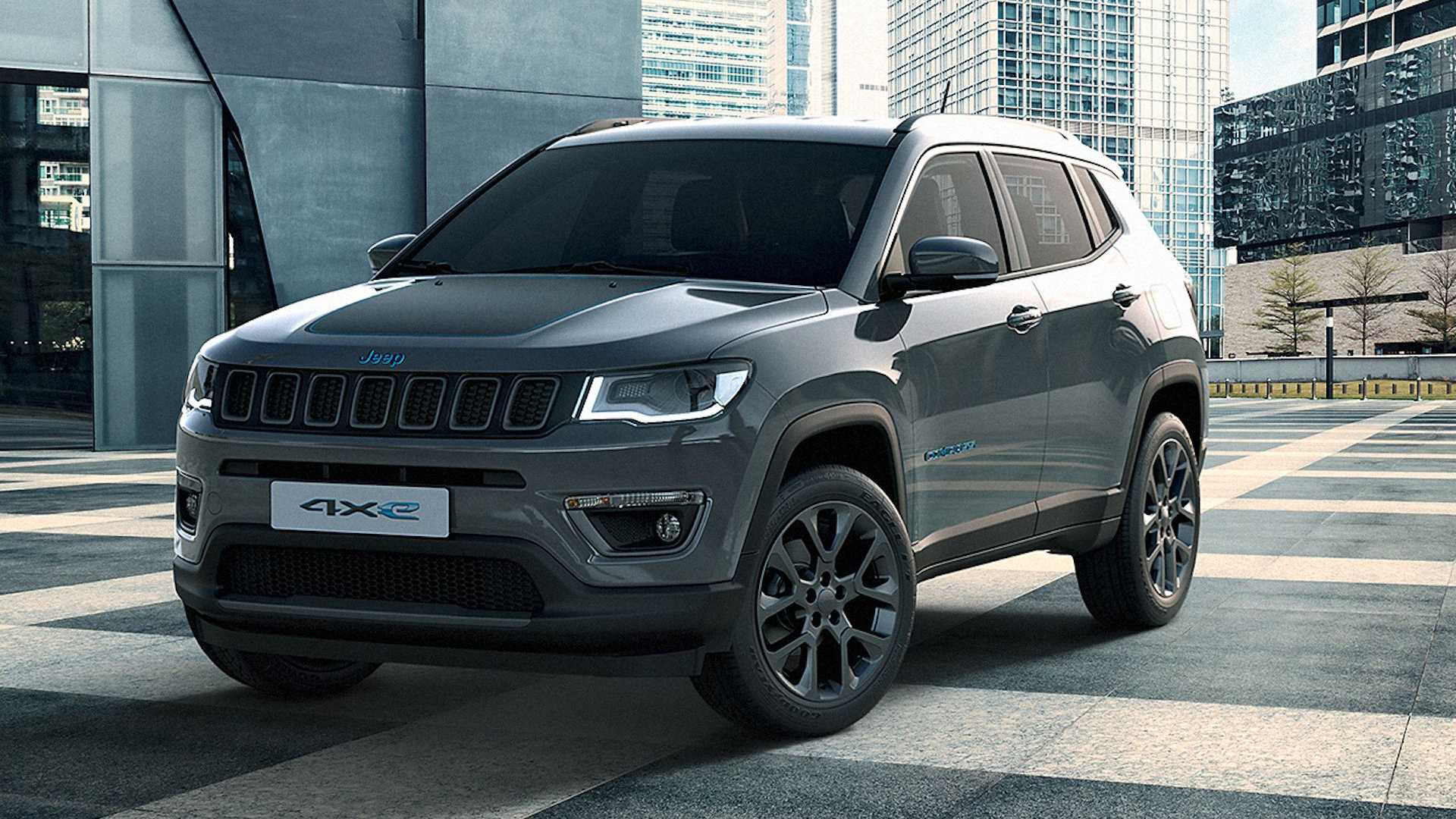 Jeep Compass 4xe Renegade 4xe Plug In Hybrids Tricked Out By Mopar