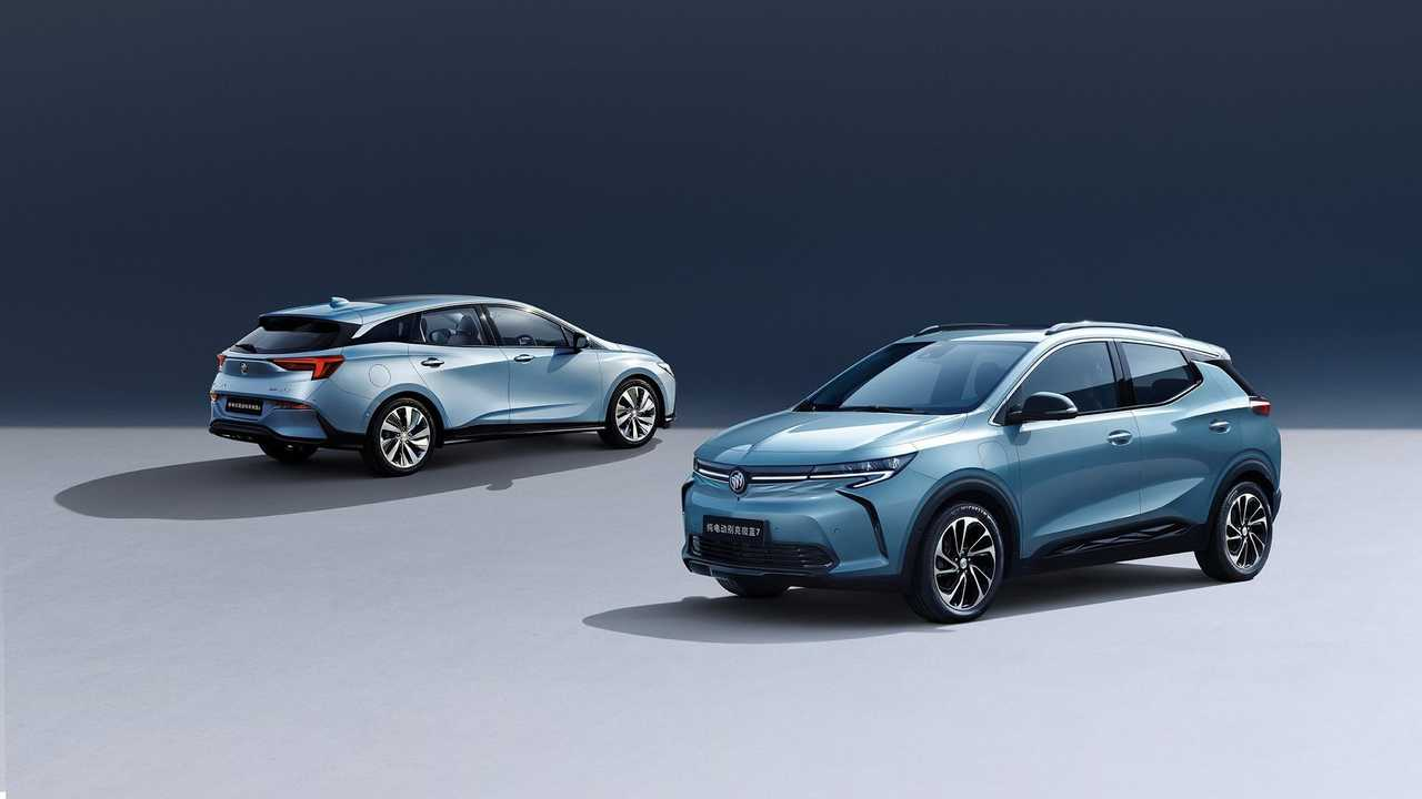 Buick Velite 7 all-electric (right) and Velite 6 PHEV (left)