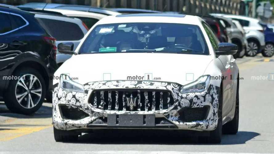 Maserati Quttroporte restyling, nuove foto spia