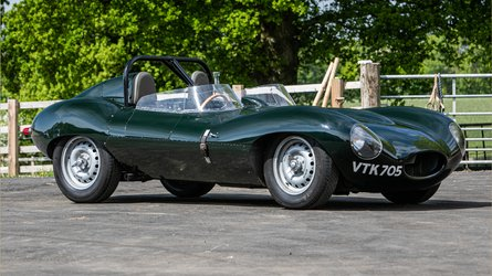 Perfect D-Type Recreation Headlines Online Auction Lineup