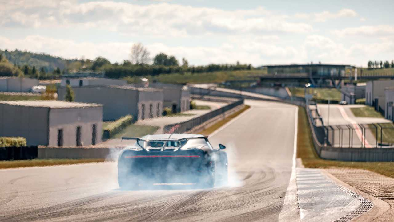 Bugatti Chiron Pur Sport: тесты на треке Bilster Berg
