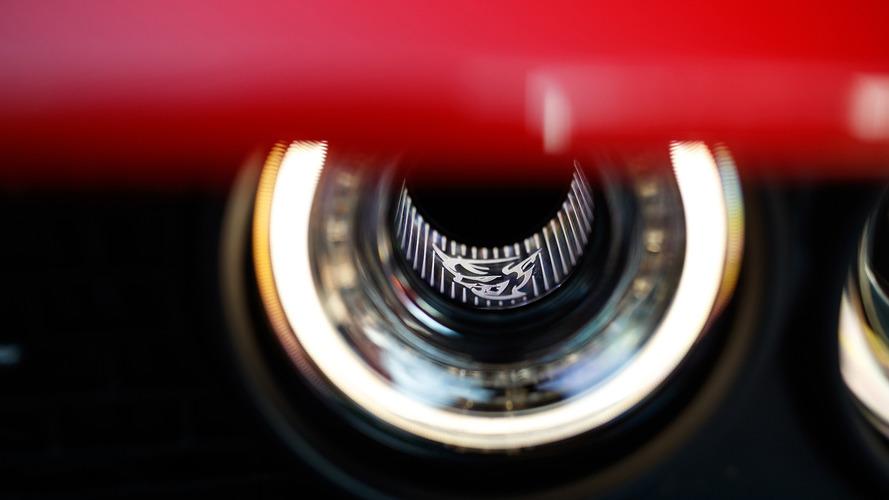 Burberry kaplamalı Dodge Challenger gözlerinizi kanatabilir