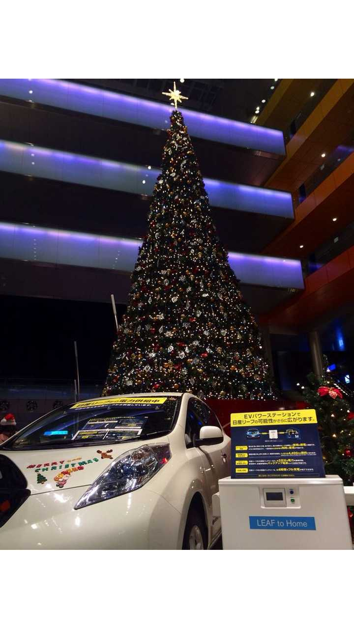 Happy Holidays From InsideEVs - A Festive, Slightly Off-Topic Top 5