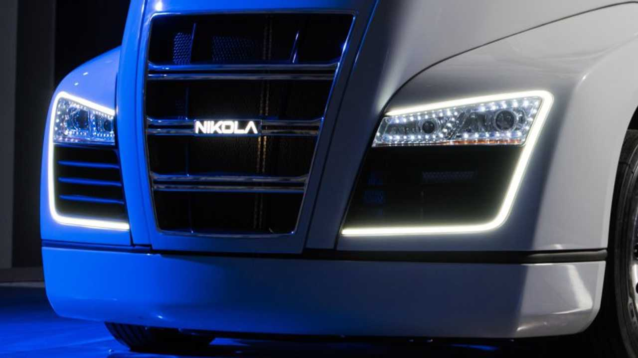 Nikola One Unveiled: Hydrogen-Electric Semi Truck With 320 kWh Battery, Production In 2020