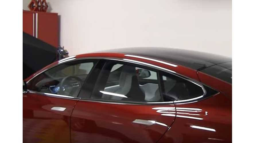 Tesla Model S P100D With All-Glass Roof & Ultra White Seats - Video