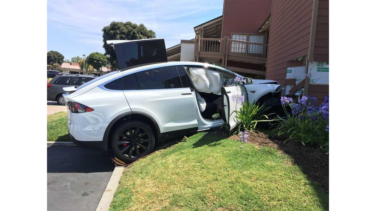 Crashed Tesla Model X Image Credit Motors Club Forum