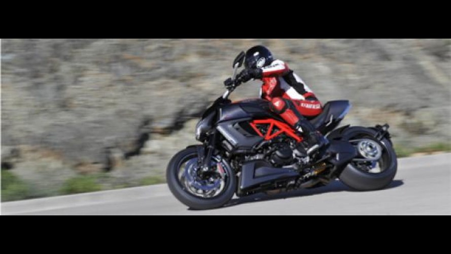 Ducati Diavel 2011: open week-end di prova