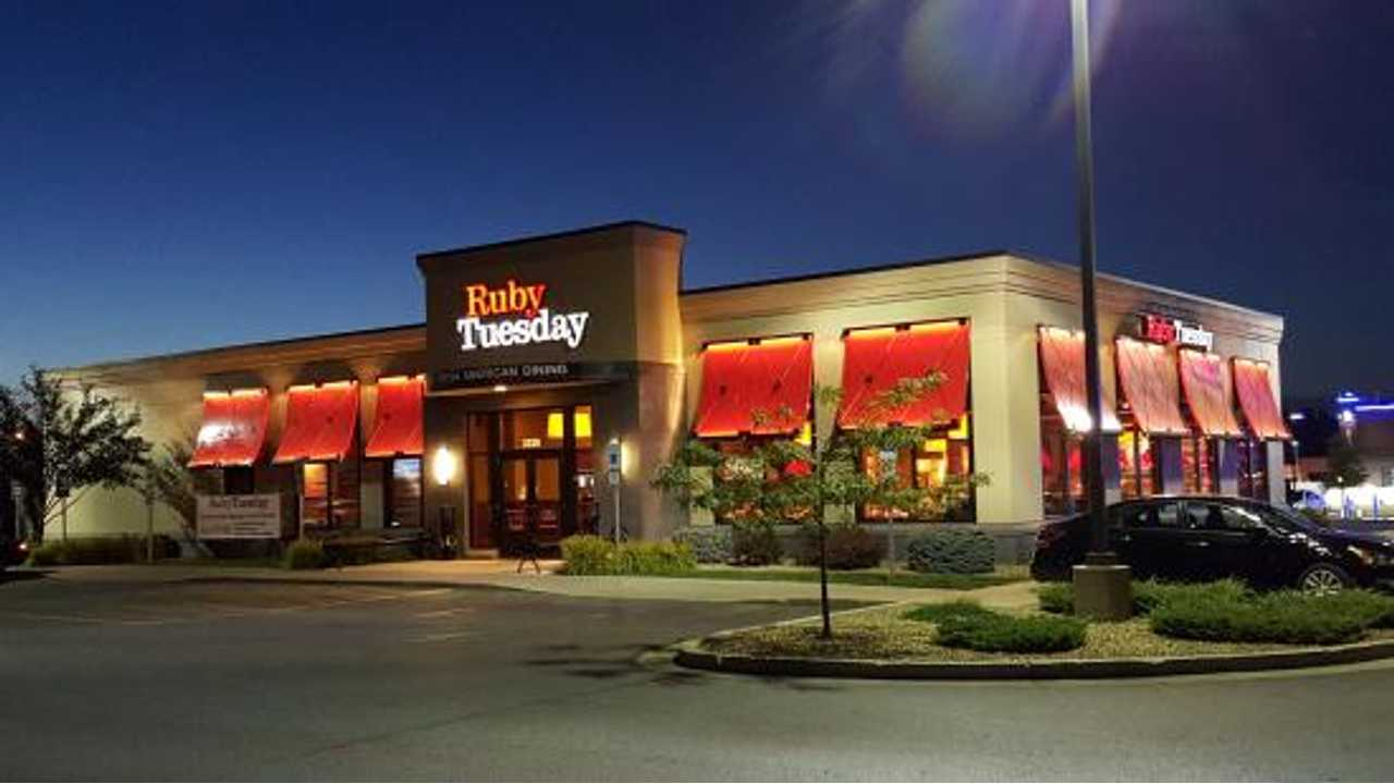 Tesla Teams With Ruby Tuesday For Supercharger Installs