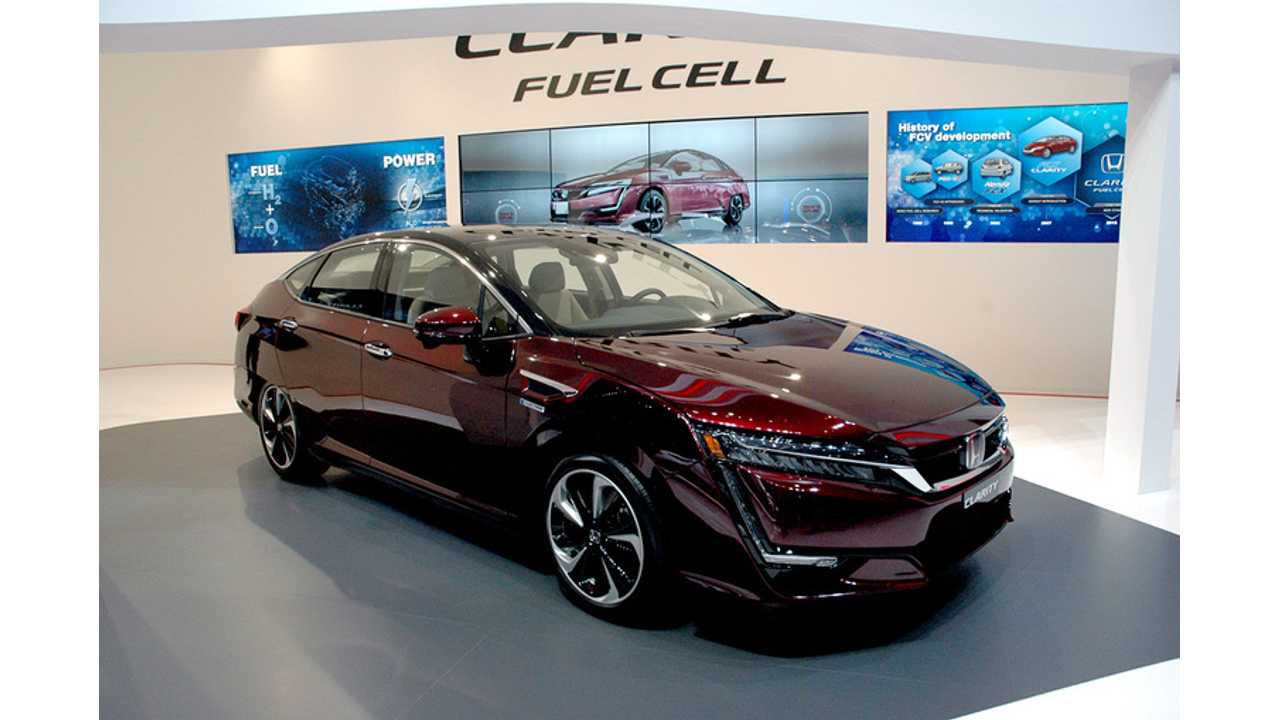 Honda Clarity Fuel Cell At The 2016 Geneva Motor Show