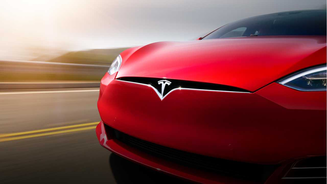Men's Journal First Drive Review Of Tesla Model S P100DL