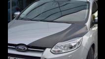 Ford Focus prototipo con cofano in fibra di carbonio