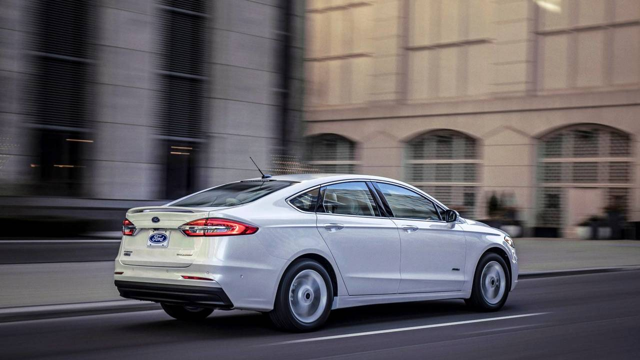 2019 Ford Fusion Gets Minor Facelift More Standard Safety Tech