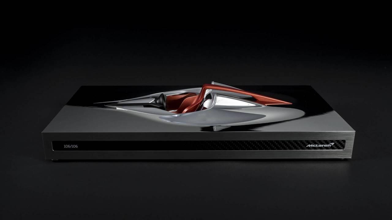McLaren BP23 Speed Form Heykeli