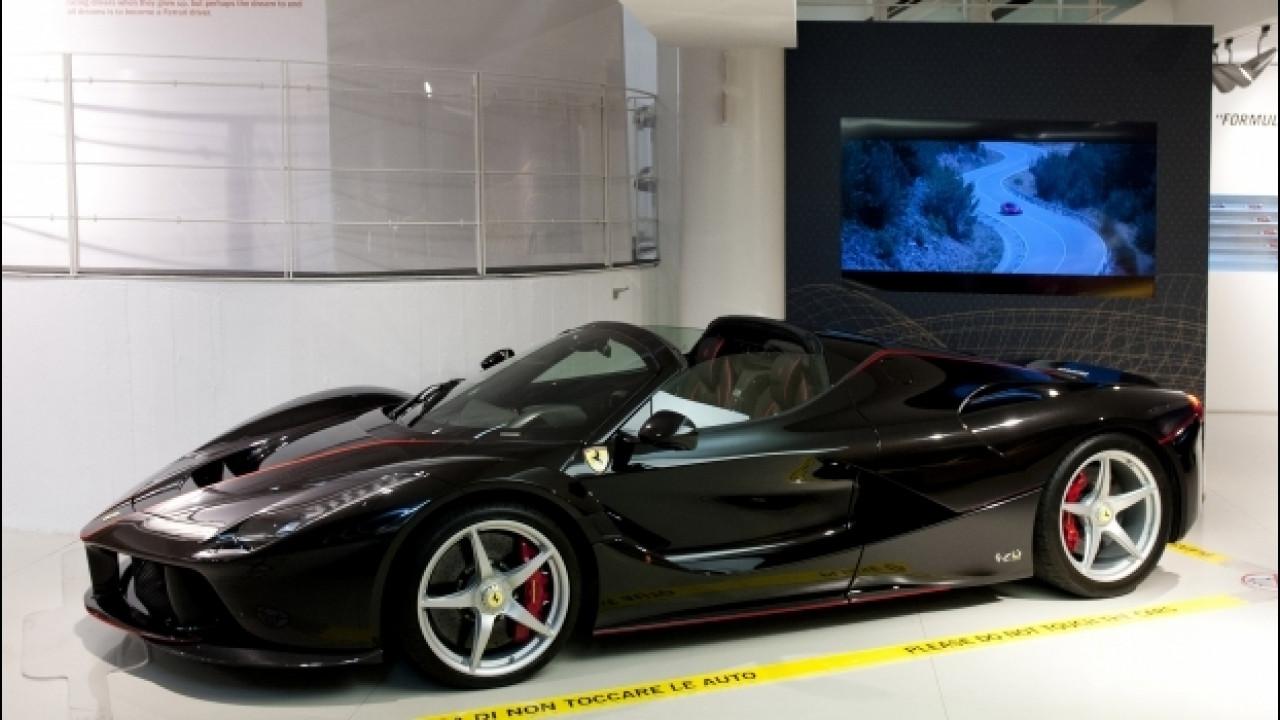 [Copertina] - Ferrari LaFerrari Aperta in mostra a Maranello