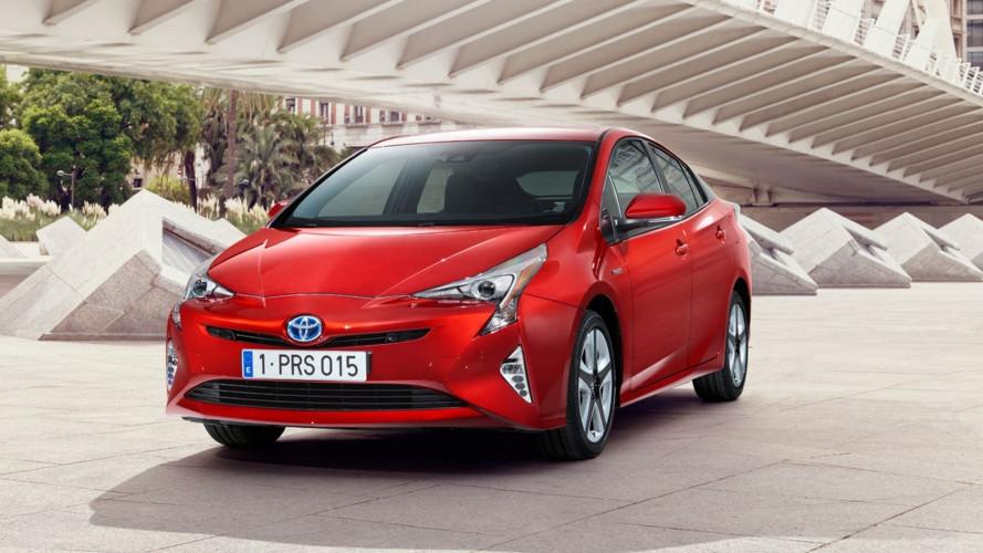 [Copertina] - Toyota studia un modo per riciclare le batterie delle auto elettrificate