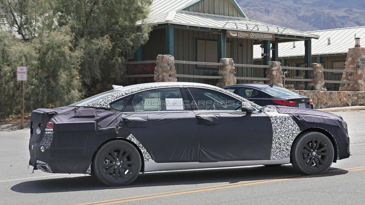2017 Hyundai Genesis spy photo