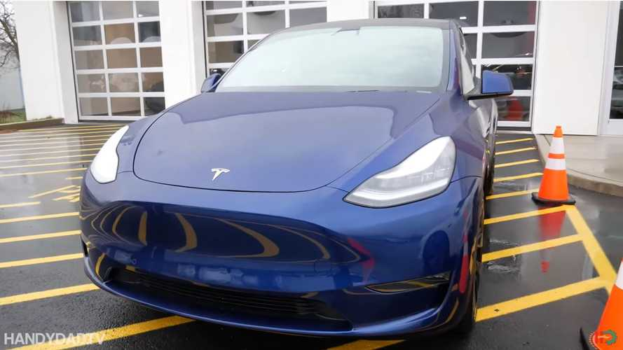 Tesla Model Y Touchless Delivery: First-Time Owner's Enthusiasm Wows