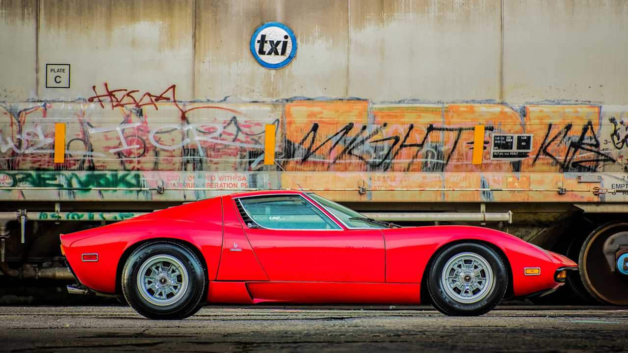 Rare Dry-Sump 1971 Lamborghini Miura SV Heading To Auction