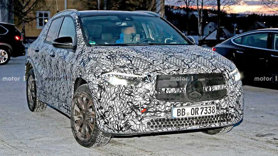La future Mercedes EQA se laisse surprendre
