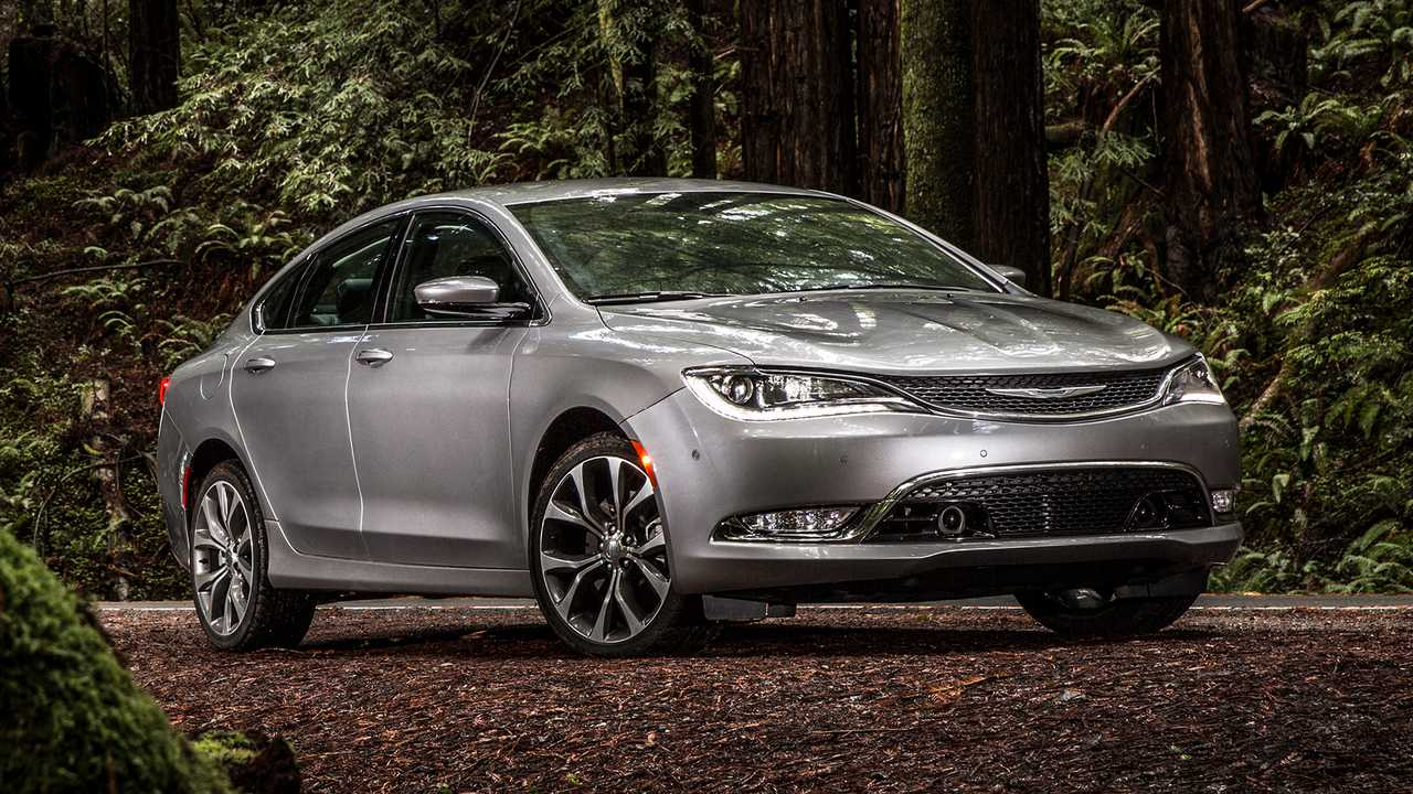 Chrysler 200: 48