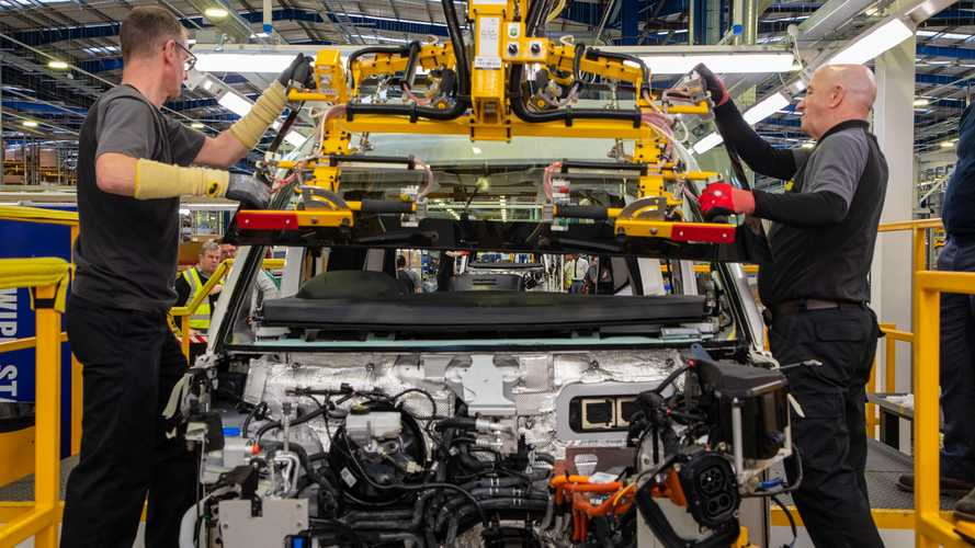 Commercial vehicle manufacturing grows as car production slows