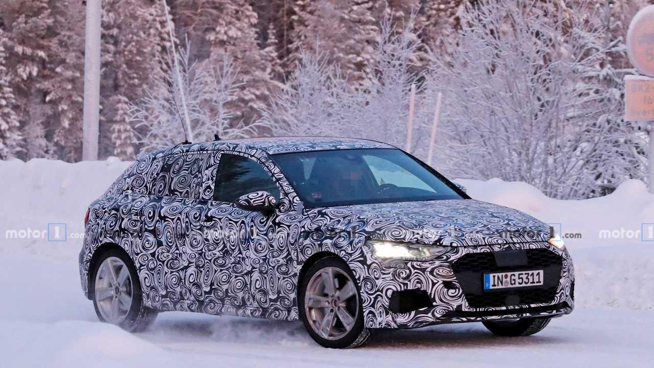 Шпионские фото нового Audi S3 Sportback