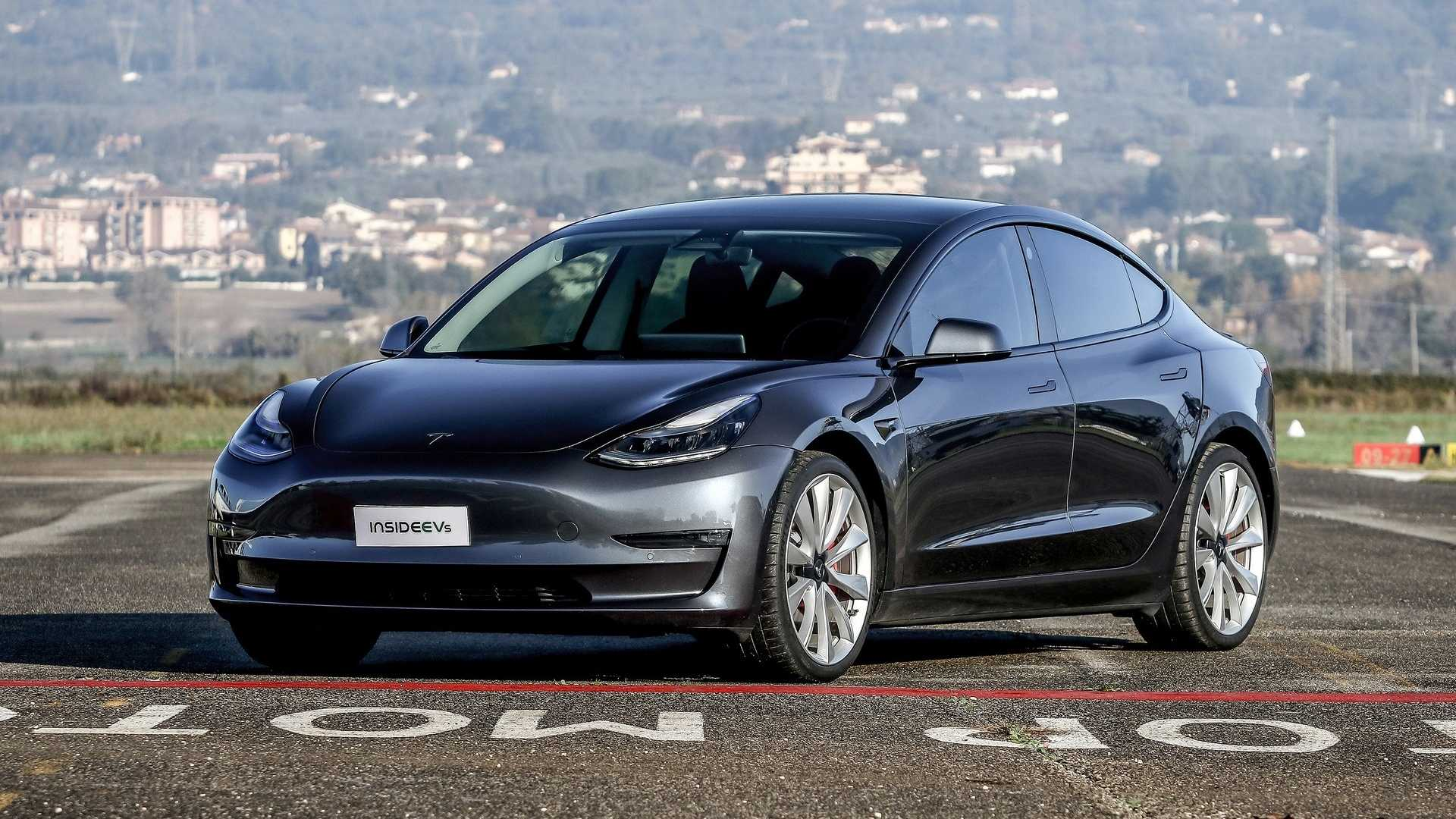 Tesla Delivers Record 112,000 Model 3, S & X Globally In Q4 2019