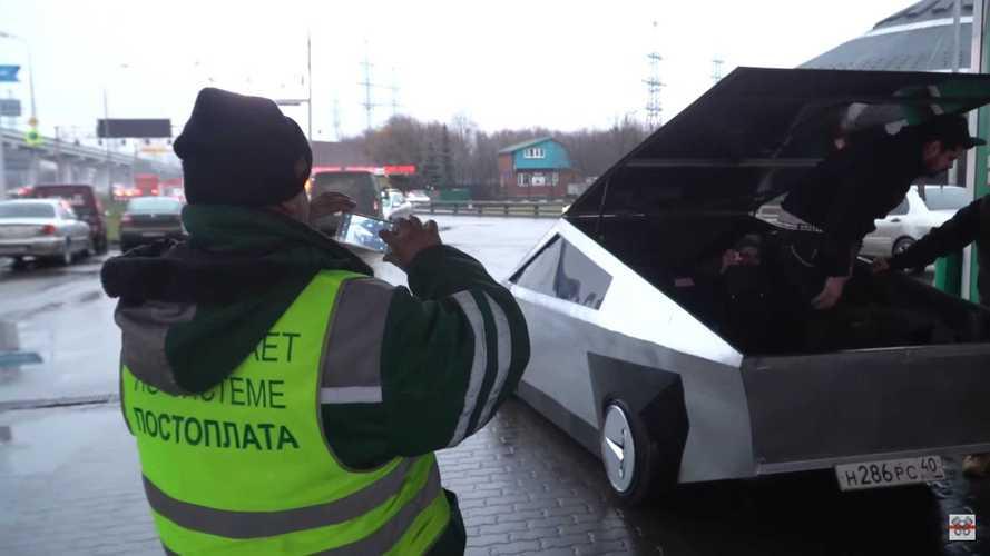 Videó: Egy Lada Samarából készült a rejtélyes orosz Cybertruck