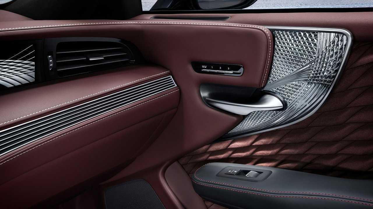 Lexus LS - хрусталь Kiriko