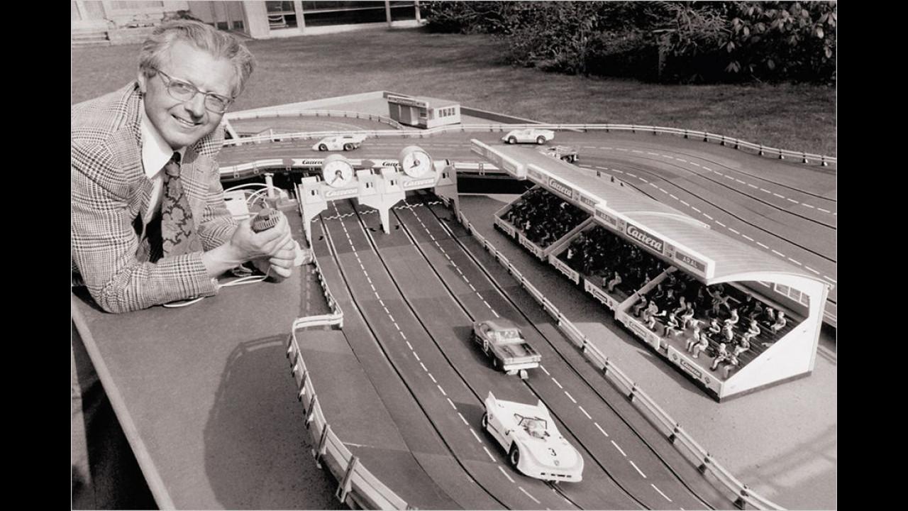 1964: Erste Carrera-Rennbahn