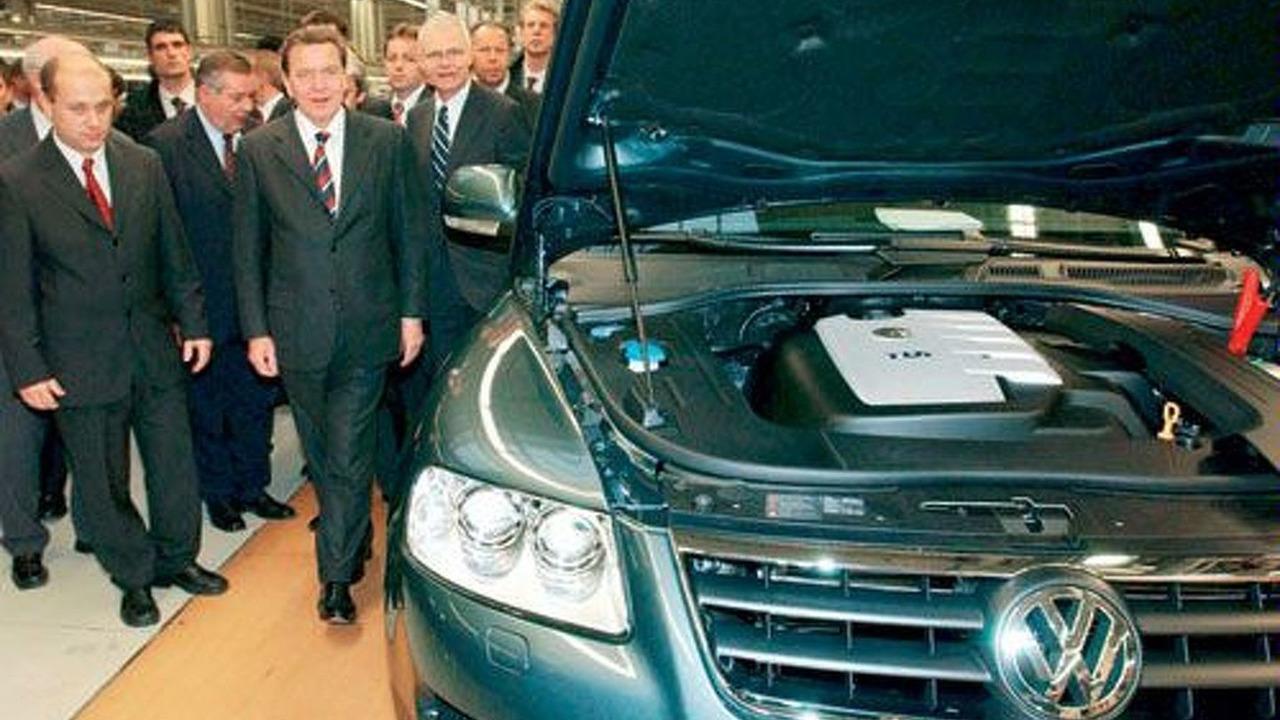 Gerhard Schröder at Volkswagen Slovakia