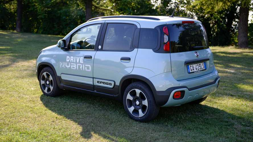 Fiat Panda Hybrid City Cross a metano