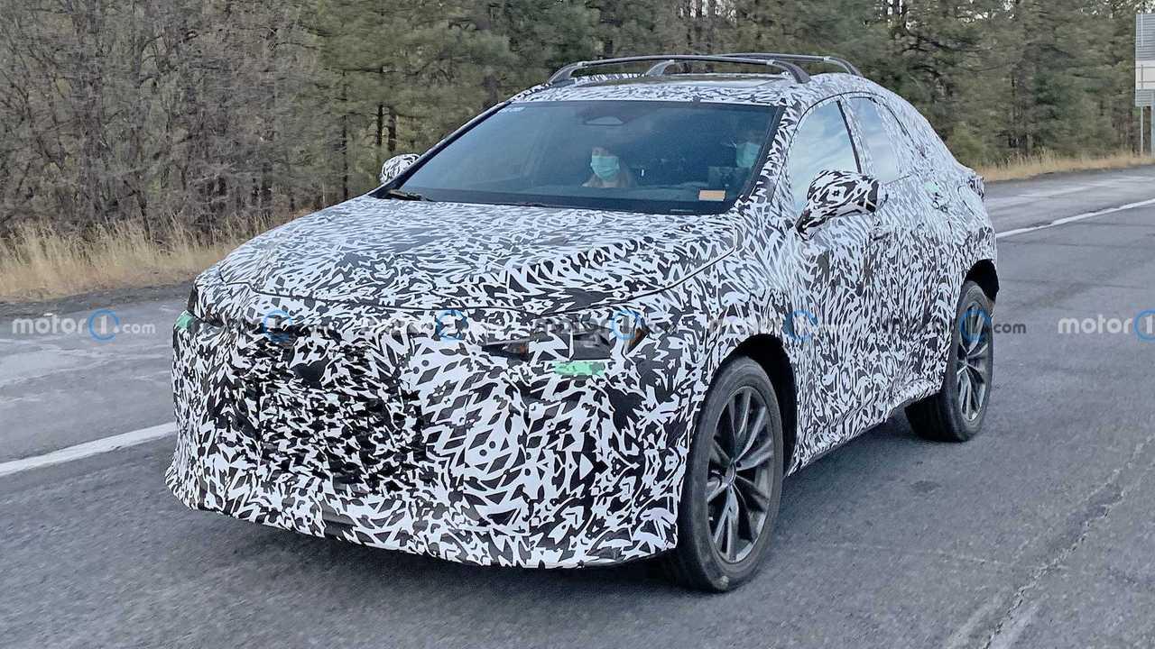 Шпионские фото нового Lexus NX, вид спереди