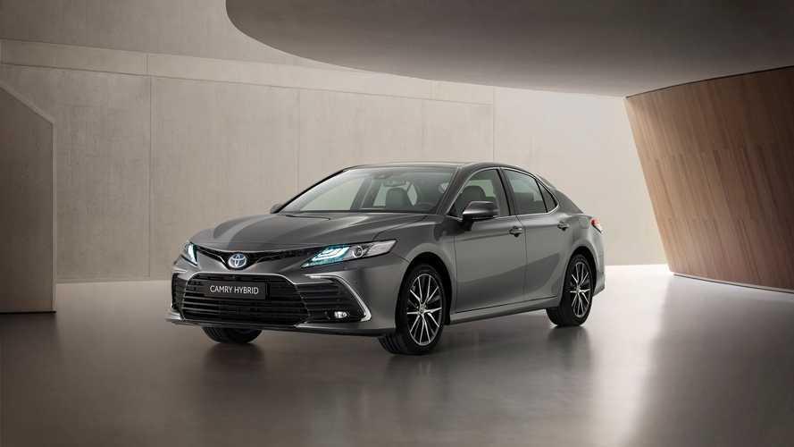 El Toyota Camry se pone al día de cara a 2021