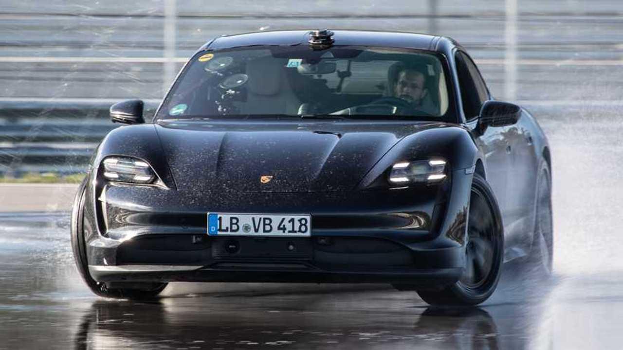 Porsche Taycan EV drift rekoru