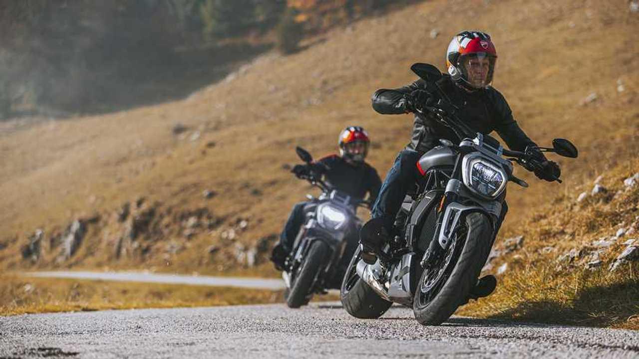 2021 Ducati XDiavel Riding Duo