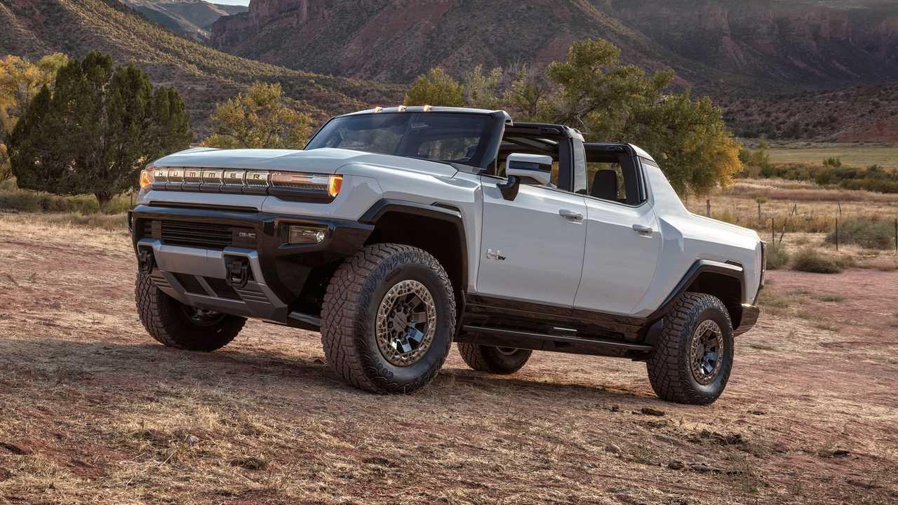 2022 GMC Hummer EV Driver Side Mountain
